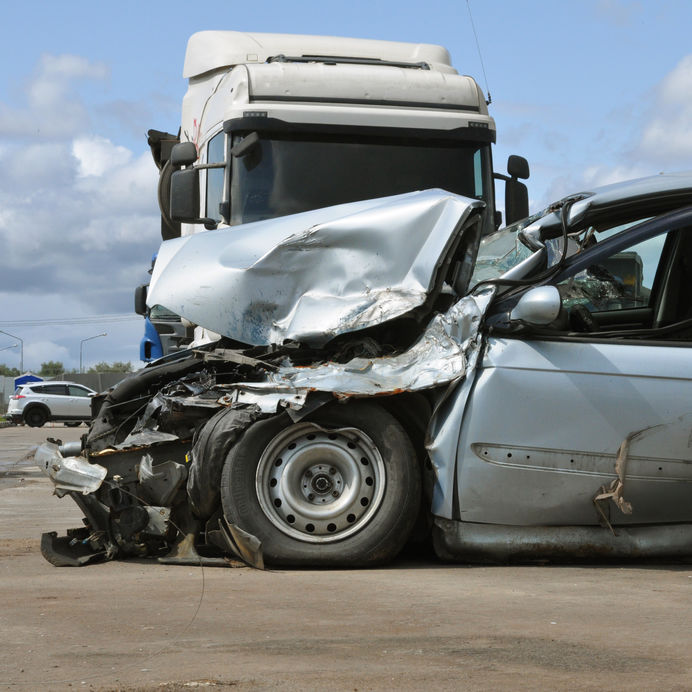 Who Is Responsible for Passenger Injuries in Truck Accidents