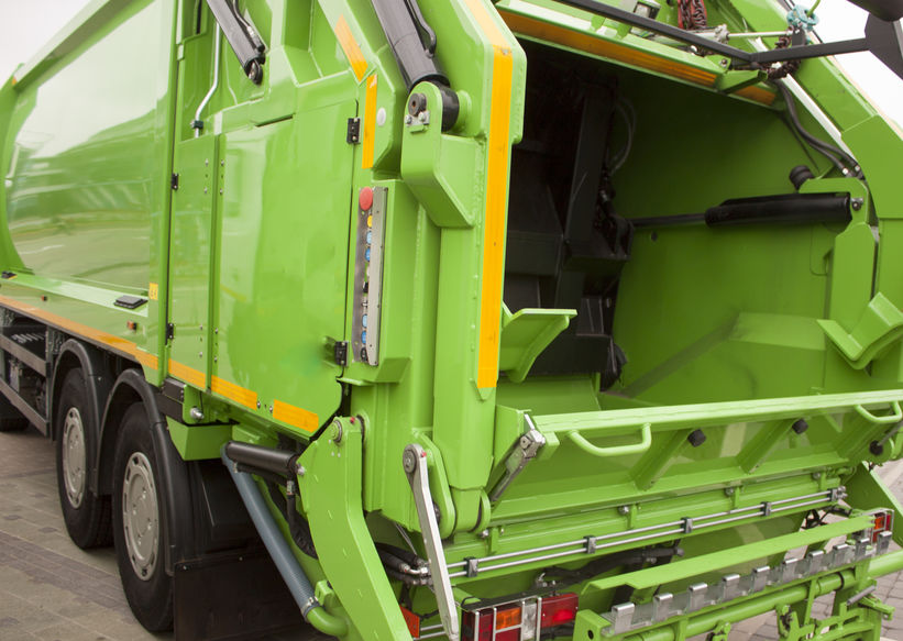 Common Causes of Florida Garbage Truck Accidents - Spivey Law